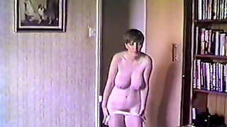 HIT & TITS - vintage 80\'s big tits strip dance tease